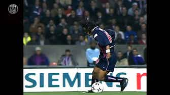 Image d'aperçu pour Ronaldinho: 'J'ai adoré jouer au Parc des Princes'