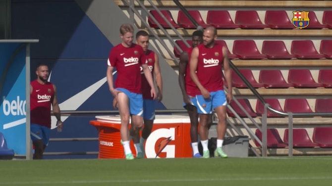 Imagem de visualização para Barcelona treina antes de viagem para pré-temporada na Alemanha