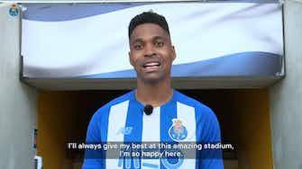 Vorschaubild für FC Porto unveil new signing Wendell