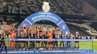 Imagem de visualização para Meninas do Corinthians celebram tri brasileiro na Neo Química Arena