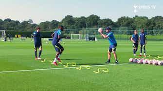 Imagem de visualização para Emerson Royal conhece companheiros e faz primeiro treino no Tottenham