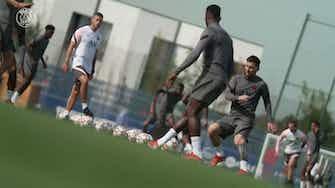 Imagem de visualização para Messi está pronto para estrear na Champions pelo Paris Saint-Germain