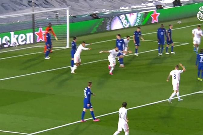 Le but de Karim Benzema contre Chelsea et la réaction de l'équipe