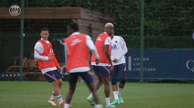 Image d'aperçu pour Kylian Mbappé de retour à l'entraînement avec le Paris Saint-Germain