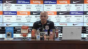 Imagem de visualização para Fábio Santos se diz triste por 'críticas pesadas' sobre Sylvinho e fase do Corinthians