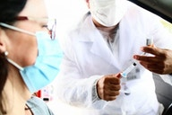 Neo Química Arena aplica 322 doses de vacina nesta quinta; vacinação segue na sexta