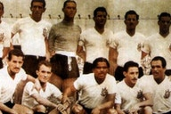 Corinthians conquistou a Pequena Taça do Mundo com uma vitória sobre o Barcelona há 68 anos