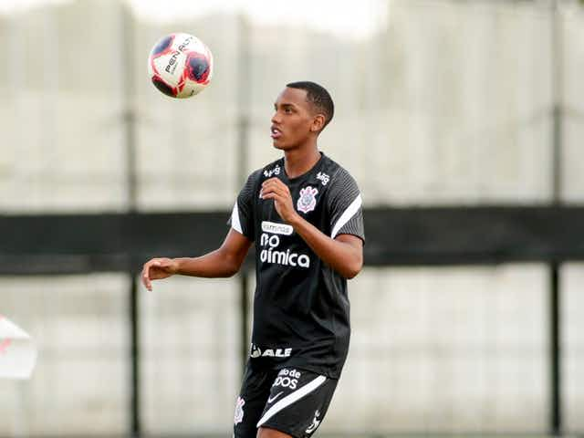 Pendurados não tomam cartão e Corinthians tem time quase completo para jogo contra Ituano
