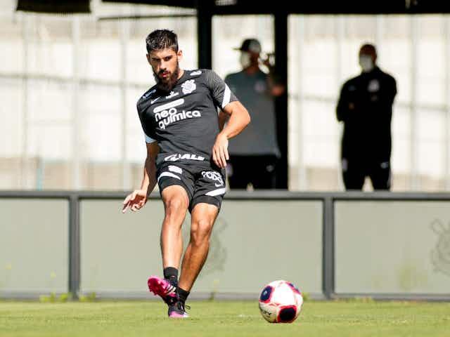 Bruno Méndez alcança a maior sequência de jogos seguidos pelo Corinthians desde que chegou ao clube