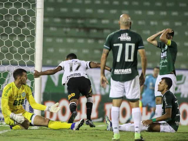 Técnico do Corinthians menciona evolução de Cauê ao explicar escolha do jogador como titular