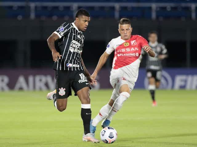 Torcida do Corinthians não poupa Mancini após empate sem gols no Paraguai; veja tuítes
