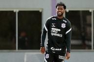 Gil completa 34 anos em sábado de Corinthians e Palmeiras; zagueiro deve ser titular