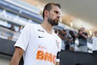 Ex-Corinthians, Henrique é anunciado como novo reforço do Coritiba