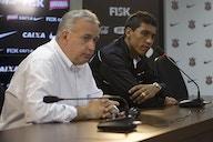 Diretor do Corinthians abre o jogo sobre possibilidade de Paulinho ser repatriado