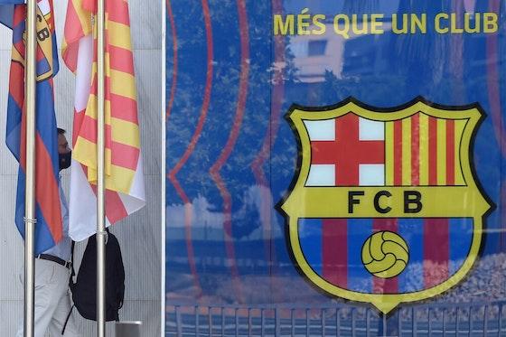 Imagem do artigo: https://image-service.onefootball.com/crop/face?h=810&image=https%3A%2F%2Fcolunabarcelona.com%2Fwp-content%2Fuploads%2F2020%2F10%2Ffbl-esp-eur-c1-barcelona-e1601927254574.jpg&q=25&w=1080