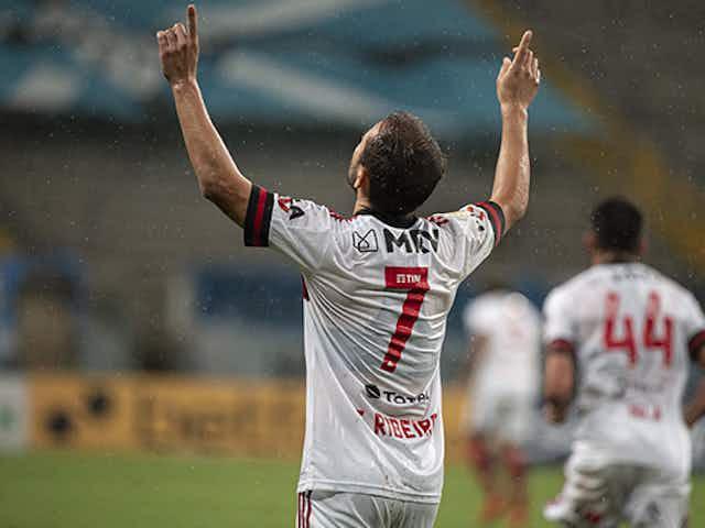 Idolatria, títulos e prestígio: Everton Ribeiro completa 32 anos com nome na história do Flamengo
