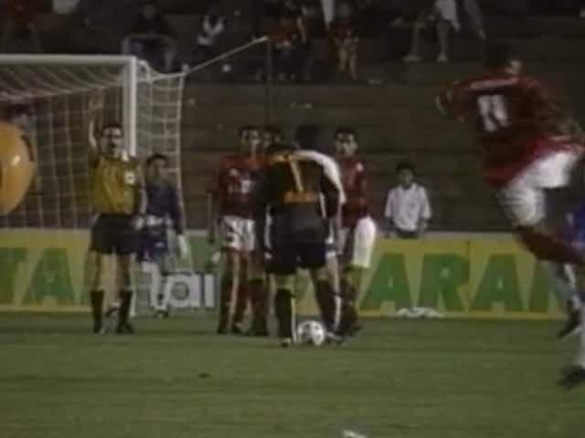 Mas já? Torcedores do Velez 'trocam farpas' com rubro-negros após sorteio da Libertadores