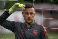 Flamengo contrata médico particular para avaliar Diego Alves; goleiro está fora contra o Volta Redonda