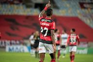 Flamengo tem primeiro 'jogo de seis pontos' no Brasileirão