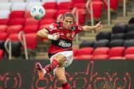 Filipe Luís se destaca fisicamente e impressiona departamento médico do Flamengo