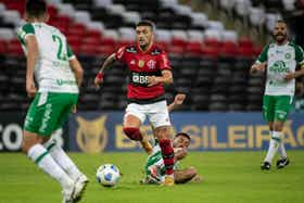 Imagem do artigo: https://image-service.onefootball.com/crop/face?h=810&image=https%3A%2F%2Fcolunadofla.com%2Fwp-content%2Fuploads%2F2021%2F07%2Farrascaeta-flamengo-x-chapecoense-maracana-campeonato-brasileiro-brasileirao-2021.png&q=25&w=1080