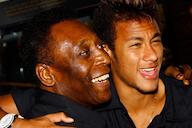 Nas redes sociais, Pelé se derrete por Neymar: 'Fico feliz quando vejo jogar'