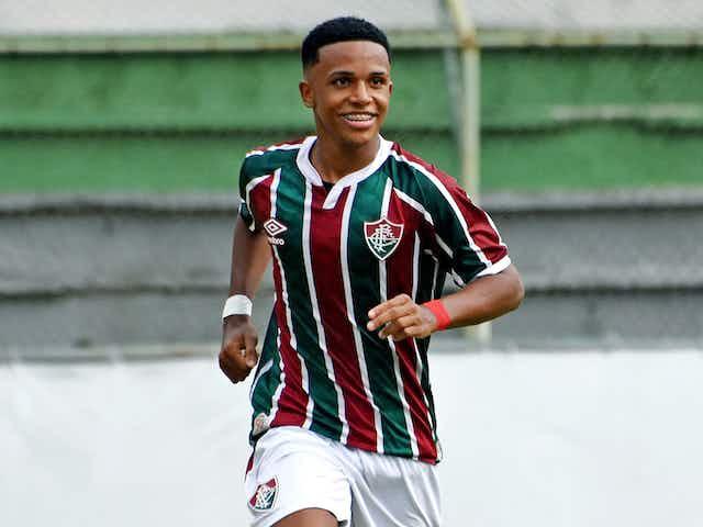 Kayky: Apesar da pouca idade, já possui números de gente grande com a camisa do Fluminense