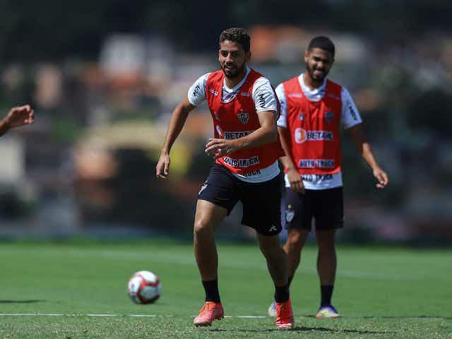 Gabriel cita Cuca como 'Paizão' e alivia críticas à defesa: 'Não é só goleiro ou zagueiros'