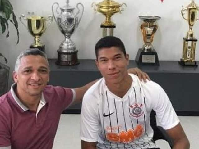 Diretoria do Corinthians se movimenta e atacante lesionado do sub-23 tem novo contrato publicado no BID