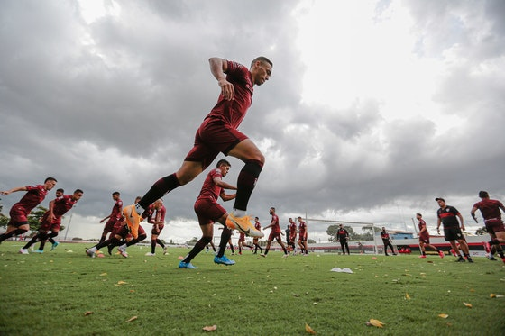 Imagem do artigo: https://image-service.onefootball.com/crop/face?h=810&image=https%3A%2F%2Fesportenewsmundo.com.br%2Fwp-content%2Fuploads%2F2021%2F04%2FEyUfm1AXMAA4d0o.jpg&q=25&w=1080