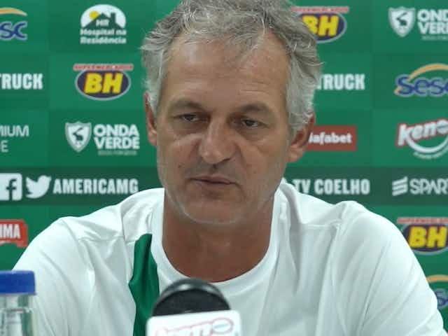 'Não esperava nossa ineficiência' avalia Lisca após empate dentro de casa contra o Patrocinense