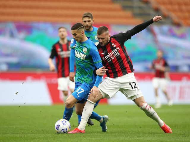 Sem Ibrahimovic, Milan perde em casa de virada do Sassuolo e vê liderança ficar mais distante