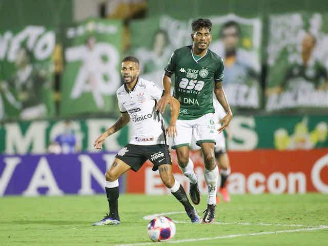 """Corinthians renova com Vitinho até junho de 2024 e meia comemora: """"Muito feliz"""""""