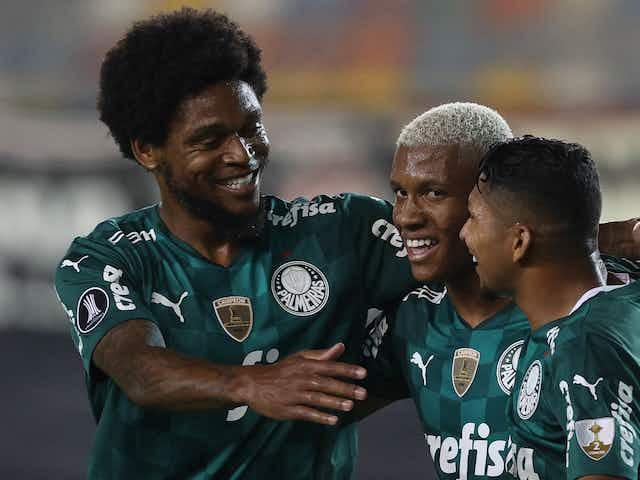 """Atuações ENM: Empereur é expulso, Palmeiras tem """"apagão"""" mas vence no apagar das luzes. Veja notas."""