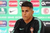 Português João Cancelo testa positivo para Covid-19 e está fora da Euro