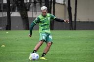 Juninho Valoura pede tranquilidade ao América-MG, fala sobre ansiedade por oportunidade e sequência com Cauan