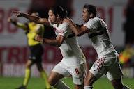 Benítez fala sobre comemoração do gol com Crespo; veja