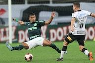 Pressionados, Palmeiras e Corinthians duelam em busca de paz na temporada