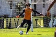 Ceará realiza último treino antes de viagem para Recife