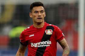 Imagem do artigo: https://image-service.onefootball.com/crop/face?h=810&image=https%3A%2F%2Ffutebolatino.lance.com.br%2Fwp-content%2Fuploads%2F2020%2F01%2Fempresario-de-aranguiz-fala-que-jogador-deve-ficar-na-alemanha-Futebol-Latino-29-01.jpg&q=25&w=1080