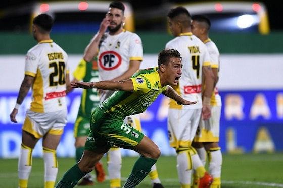 Imagem do artigo: https://image-service.onefootball.com/crop/face?h=810&image=https%3A%2F%2Ffutebolatino.lance.com.br%2Fwp-content%2Fuploads%2F2021%2F01%2FDefensay-Justicia-Coquimbo-Unido-Sul-Americana-Futebol-Latino-16-01.jpg&q=25&w=1080