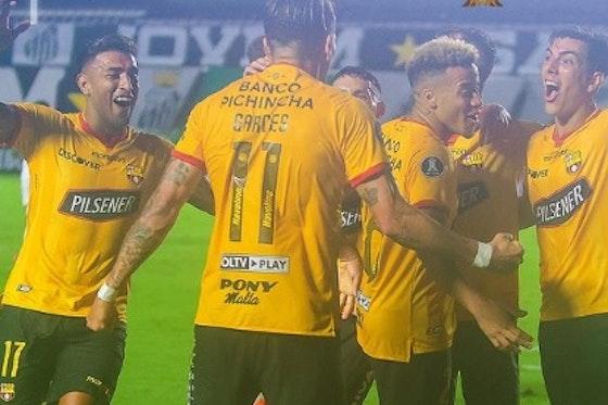 Imagem do artigo: https://image-service.onefootball.com/crop/face?h=810&image=https%3A%2F%2Ffutebolatino.lance.com.br%2Fwp-content%2Fuploads%2F2021%2F04%2FBarcelona-Guayaquil.jpg&q=25&w=1080