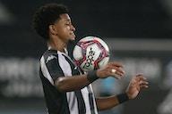 De volta à lateral do Botafogo, Warley projeta sequência: 'Quero dar muitas assistências'
