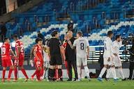 Zidane demande des explications à l'arbitre, Carvajal et Piqué réagissent
