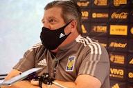 Miguel Herrera define un once para enfrentar a Toluca