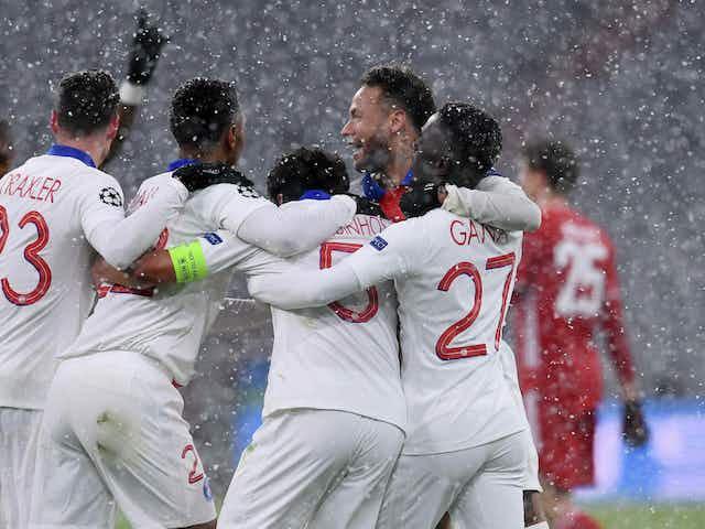 Um jogaço sob neve: PSG é mais letal na Alemanha, segura a pressão do Bayern e larga com ótima vantagem