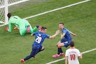 Eslováquia aproveitou a Polônia com um jogador a menos para vencer