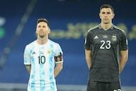 """Emiliano Martínez: """"Estamos jugando muy bien, estamos muy tranquilos"""""""