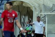 Jocelyn Gourvennec et José Fonte concentrés sur le Trophée des Champions
