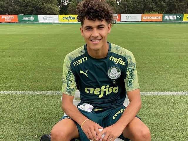 Sob análise da comissão técnica, novidades da base treinam com o elenco do Palmeiras em São Paulo